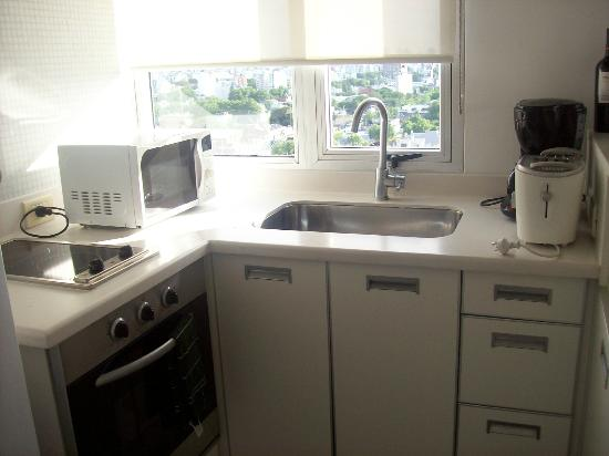 Hollywood Suites & Lofts: Cocina incorporada, muy bien equipada