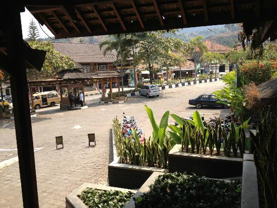 Kampung Sumber Alam: car park