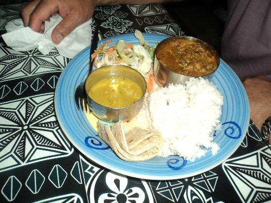 BEACHSIDE-RESTAURANT: curry chicken a must try...