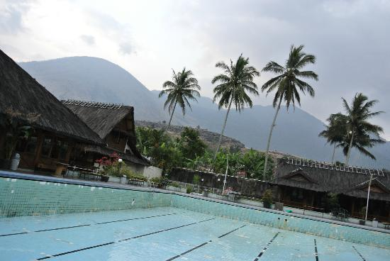 Kampung Sumber Alam: swimming pool