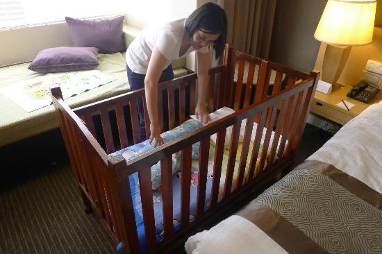 Hotel Equatorial Melaka: The hotel provided a crib for free - at our request