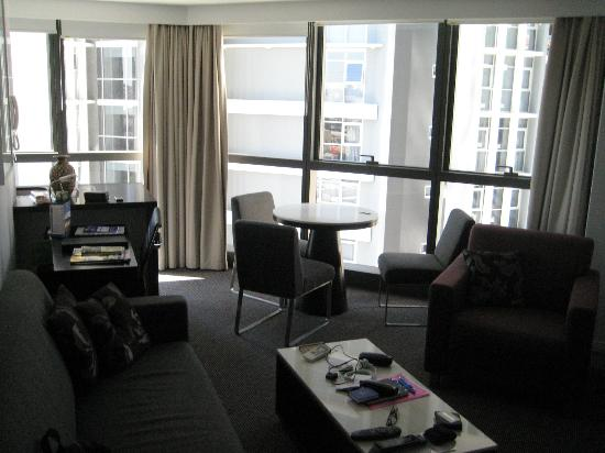 Meriton Serviced Apartments Brisbane on Adelaide Street: Lounge area