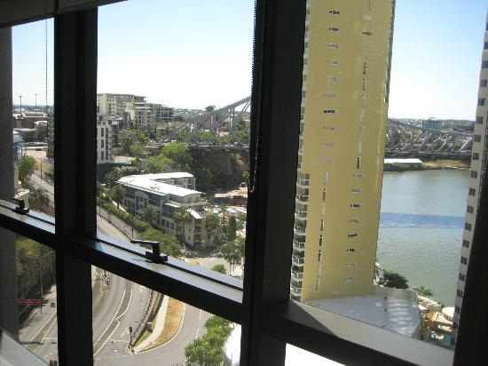 Meriton Serviced Apartments Brisbane on Adelaide Street: To Story Bridge