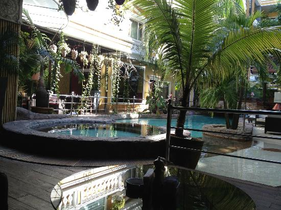 Angeles Beach Club Hotel: Pool Area