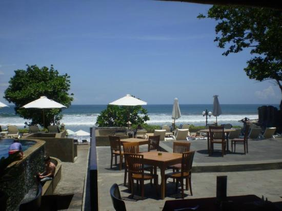 Buffet dining area with beach view foto pelangi bali for Pelangi bali hotel