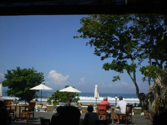 Pelangi Bali Hotel: beach view