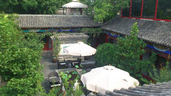 Hotel Cote Cour Beijing: View from the breakfast room