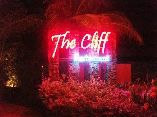 The Cliff Restaurant & Bar: The entrance