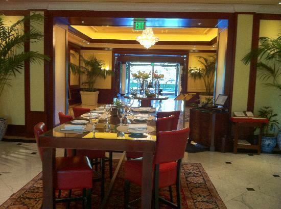 فور سيزونز هوتل لوس أنجليس آت ويستليك: dinning area