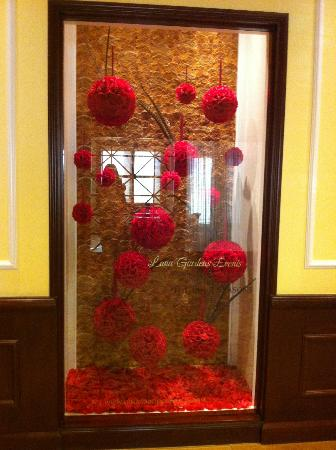 Four Seasons Hotel Westlake Village: hallway decor to spa area