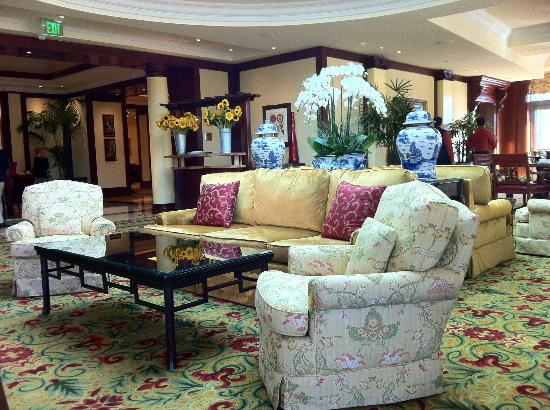 Four Seasons Hotel Westlake Village: dinning waiting area