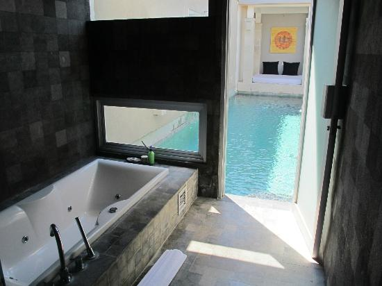 The Seiryu Villas: from the bathroom directly out into the pool, with the day bed at other end