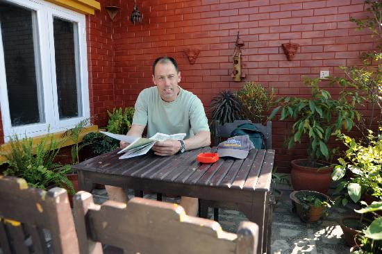 Annapurna Guest House: Guest at Roof-top Garden
