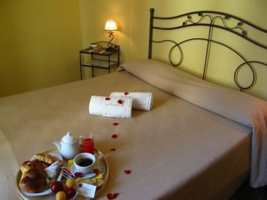 Bed and Breakfast Napoli I Visconti : Double room