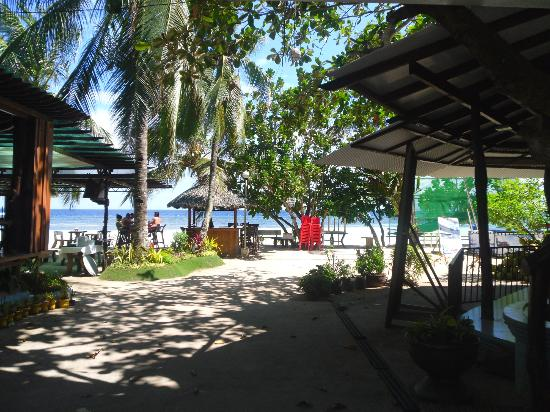 Dumaluan Beach Resort: Nice view from the lobby
