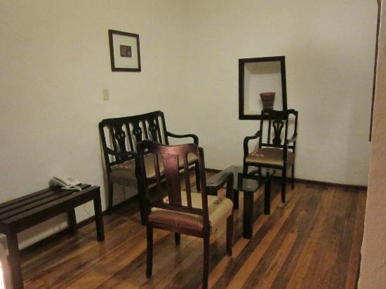 Unaytambo Hotel: room 101? living room
