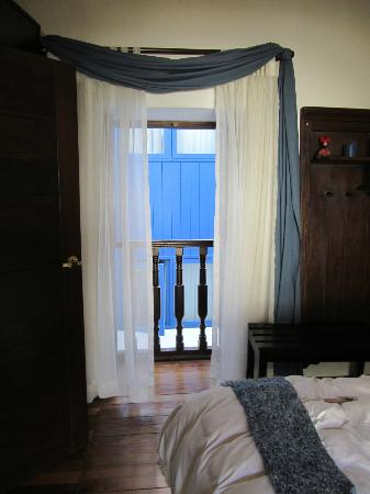 Unaytambo Hotel: room 211, blue window of other hotel. They can see you too.