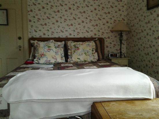 The Brewster Inn: My room that was formerly a maid's room