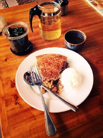 YangShuo DengLong FengWei Guan: Kelly's Apple Pie