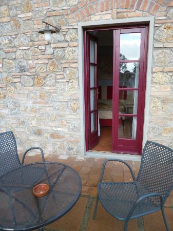 Hotel Casolare le Terre Rosse: verandina privata