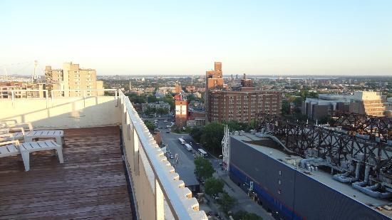 La Tour Belvedere: panorama dalla terraza affianco alla piscina