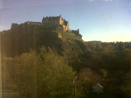 Premier Inn Edinburgh City Centre (Princes Street) Hotel: Room with a view