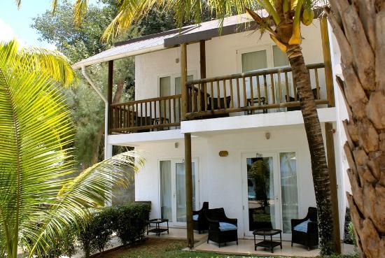 Baie du Tombeau: Balcony and patio