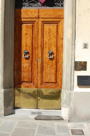 B&B Porta San Frediano: FRONTE STRADA
