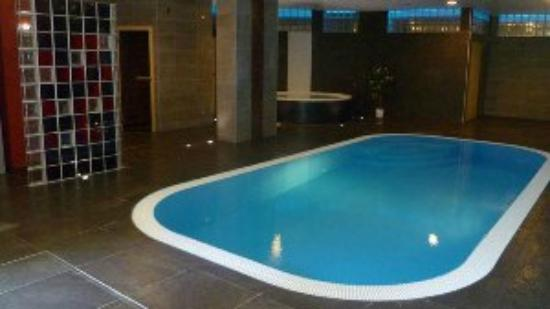 Hotel Fontana: Indoor swimming pool