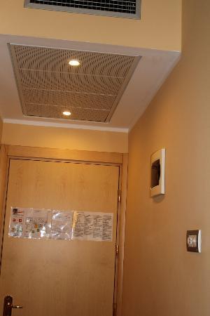 Mokinba Hotel Cristallo: AC