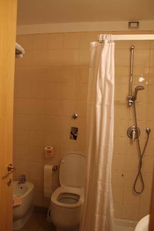 Mokinba Hotel Cristallo: bathroom