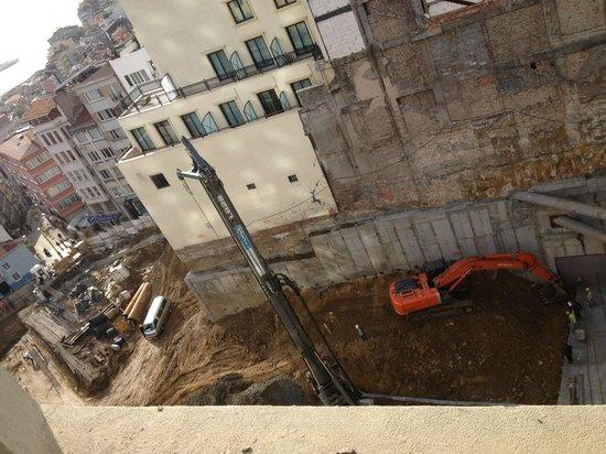 CVK Hotels Taksim:                   Vue from wy window