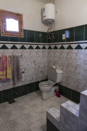 El Fayrouz: salle de bain