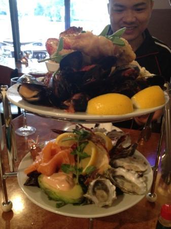 Waves Restaurant: seafood platter for 2