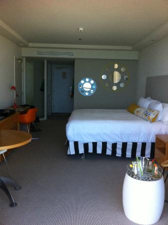 QT Gold Coast: double room