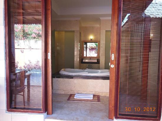 Lavender Luxury Villas & Spa Resort: Bathroom