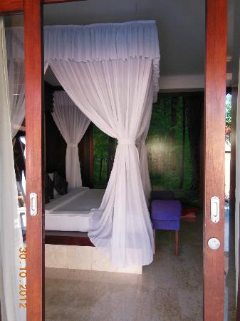 Lavender Luxury Villas & Spa Resort: Another bedroom shot