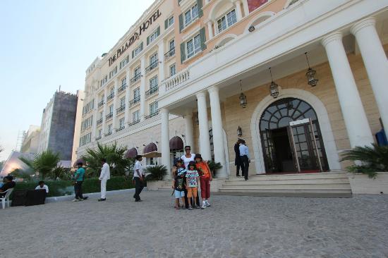 The Pllazio Hotel : Outside the hotel