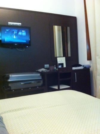 Hotel Cosimo de' Medici: modern room