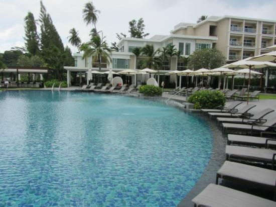 Crowne Plaza Phuket Panwa Beach: Central Pool