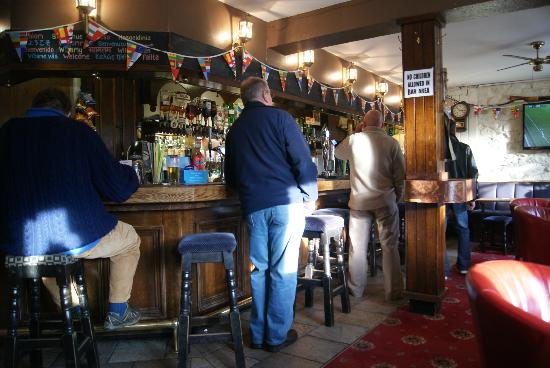 Bridge End Hotel: The Bar