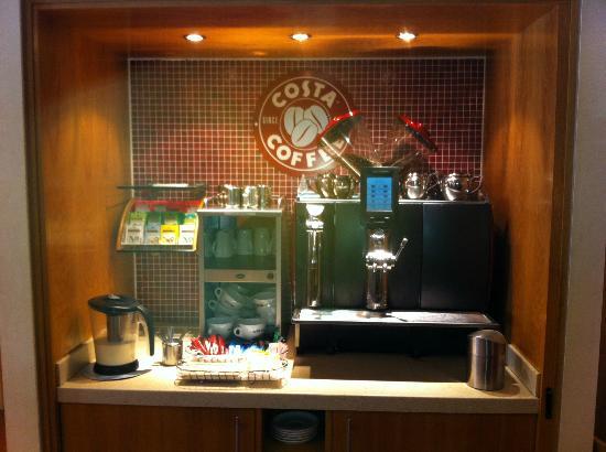 Premier Inn Newcastle (Washington) Hotel: Costa Coffee