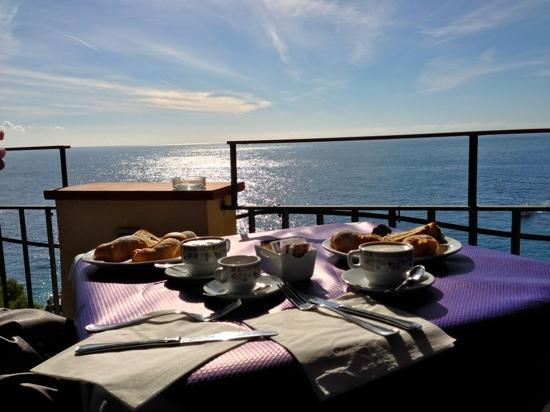 Hotel Weber Ambassador Capri: La colazione con vista mare