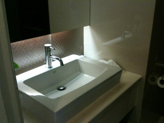 Centara Hotel Hat Yai: Sink