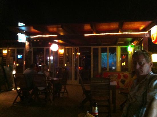 Ektor Apartments: Outside the bar