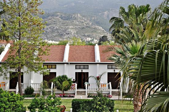 Almond Holiday Village: villas