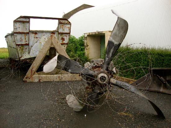 D-Day Beaches (Plages du Debarquement de la Bataille de Normandie): An old propellor
