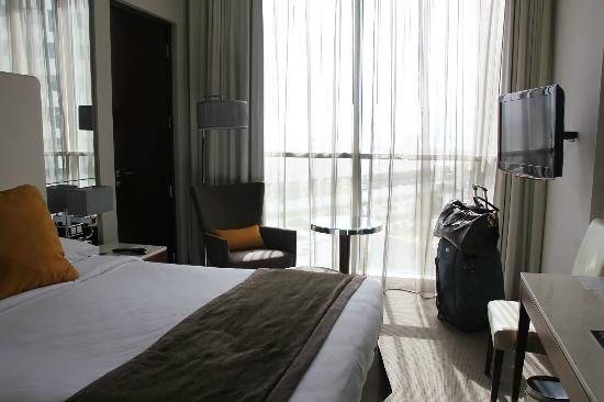 Centro Yas Island Abu Dhabi by Rotana: I love big window and nice view,