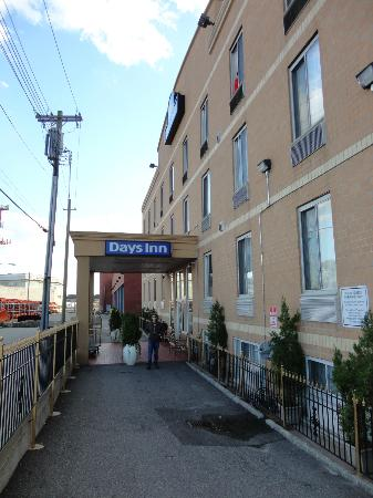Days Inn Jamaica - Jfk Airport : ENTRANCE