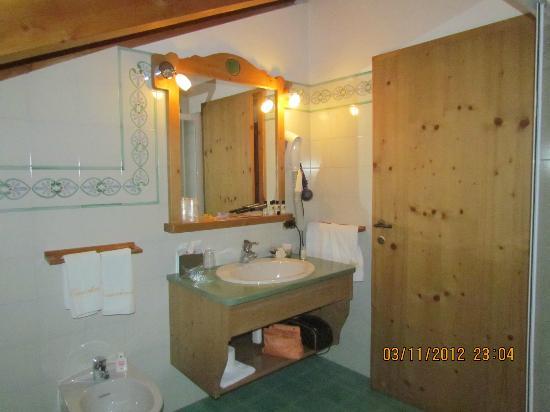 Kaiserkrone B&B: Appartamento Stella Alpina: il bagno